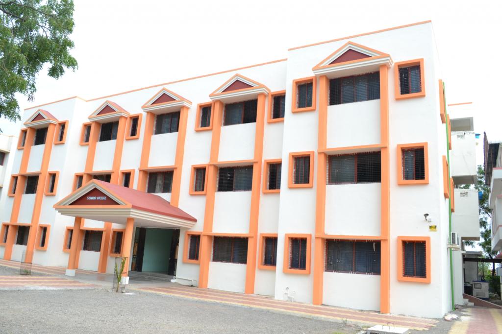 4_Senior College Classrooms and IT Lab